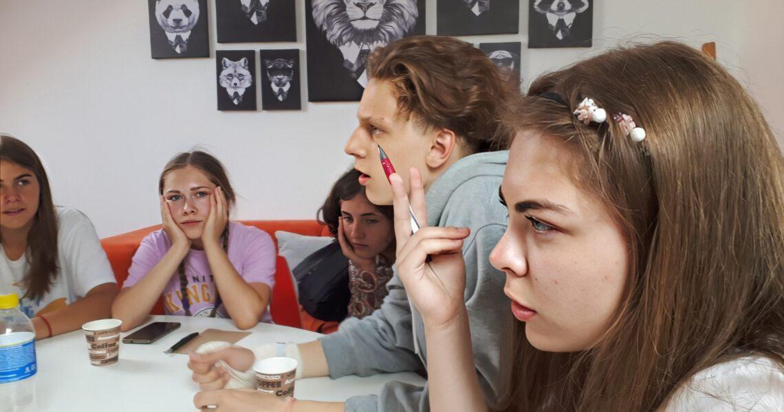 «Школа для нас, дайте нам право голоса». Подростки о проблемах, которые накопились в системе образования